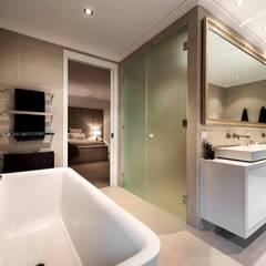 Bathroom by Moda Interiors, Perth, Western Australia:  Bathroom by Moda Interiors