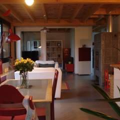 maison NEV: Salle à manger de style de stile Rural par Cécile Boerlen Architecte SARL