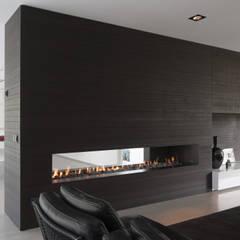 Eigentijdse bungalow:  Wijnkelder door Lab32 architecten