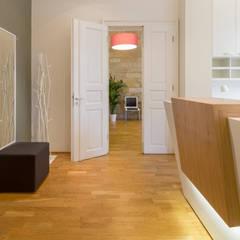 Interieurkonzept & Umbau - Allgemeinmedizinsche Praxis:  Praxen von Design Office Mattausch