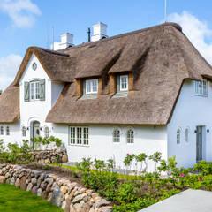 Home Staging Reetdachhaus auf Sylt: landhausstil Häuser von Immofoto-Sylt