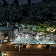 Taras z basenem i grotą skalną: styl , w kategorii Basen zaprojektowany przez Twoje Miejsce,