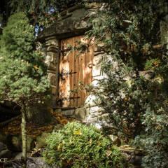Wejście Do Piwniczki, Drzwi, Kamień: styl , w kategorii Piwnica win zaprojektowany przez Twoje Miejsce