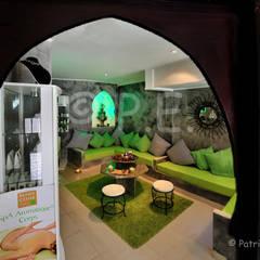 Immobilier, hôtellerie, chambre d'hôte: Locaux commerciaux & Magasins de style  par patrick eoche Photographie d'architecture