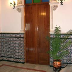 Corridor, hallway by Hispalcerámica