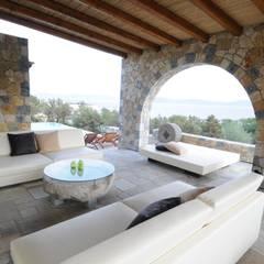 Terrace by CARLO CHIAPPANI  interior designer