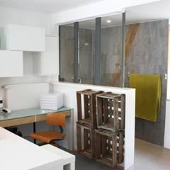 Kernsanierung von Garage zu Büro:  Arbeitszimmer von Fischer Raumgestaltung