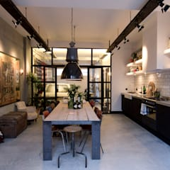 Dining room by BRICKS Studio