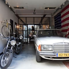 Garage Loft:  Garage/schuur door BRICKS Studio