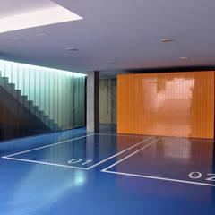 Casa GV: Garajes de estilo  de 2G.arquitectos