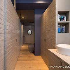 Bathroom by MARIANGEL COGHLAN, Industrial