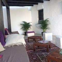 Terrace by Rudeco Construcciones
