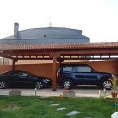 โรงจอดรถ โดย Pergomadera Pérgolas y Porches de madera, คลาสสิค