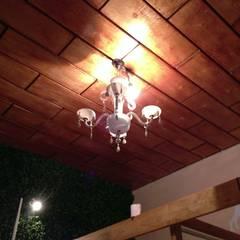 techo de madera: Espacios comerciales de estilo  por Armatoste studio
