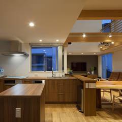 太宰府の家: 那波建築設計 NABA architectsが手掛けたキッチンです。