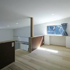 Media room by 那波建築設計 NABA architects, Modern