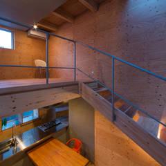 Murs de style  par アトリエセッテン一級建築士事務所, Moderne