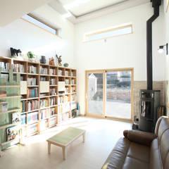 Ruang Keluarga oleh 주택설계전문 디자인그룹 홈스타일토토, Modern