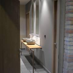 Baño: Baños de estilo  de KITS INTERIORISME