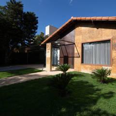 CASA MP: Casas campestres por Mutabile