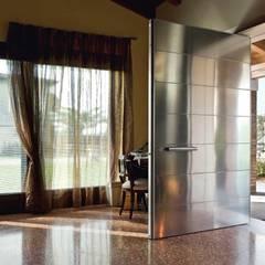Puertas de exterior: Ventanas de estilo  de Timberplan
