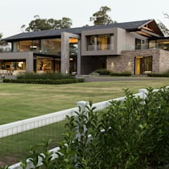 House in Blair Atholl:  Houses by Nico Van Der Meulen Architects
