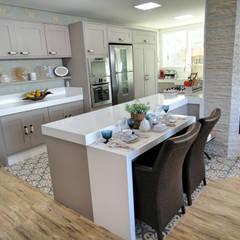 Projeto Residencial em Itapema, SC-BR Cozinhas clássicas por Gabriela Herde Arquitetura & Design Clássico