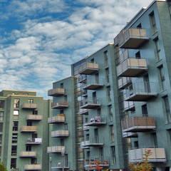 abgehängte Balkonanlagen mit Plattenelementen aus Polymerbeton:  Terrasse von Mineralit - Mineralgusswerk Laage GmbH