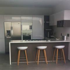 Kitchen by Citlali Villarreal Interiorismo & Diseño,