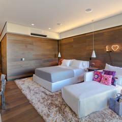 Nursery/kid's room by grupoarquitectura