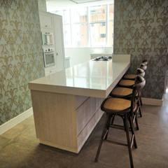 Salao de Festas: Salas de jantar clássicas por Gabriela Herde Arquitetura & Design