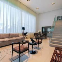 Luz natural abundante Salas de estilo minimalista de Tony Santos Arquitetura Minimalista