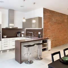 Kitchen by GPA Gestión de Proyectos Arquitectónicos  ]gpa[®,