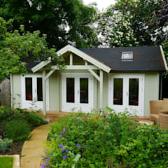 Emily Garden Cabin with canopy:  Garden by Garden Affairs Ltd