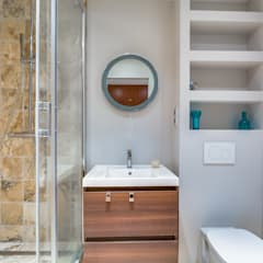 PARIS 17 29m²: Salle de bains de style  par blackStones