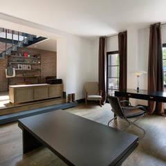 Udesign Architecture – Levent Villa:  tarz Çalışma Odası