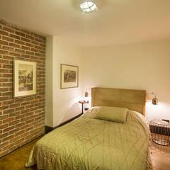 Udesign Architecture – Levent Villa:  tarz Yatak Odası