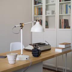 Escritório Preto no Branco Escritórios escandinavos por MUDA Home Design Escandinavo