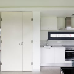 Kitchen by Nan Arquitectos
