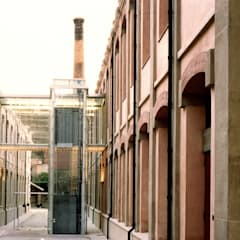 MUSEU DE LA PELL : Museos de estilo  de zazurca arquitectos