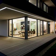 Terrace by ARKITURA GmbH, Modern