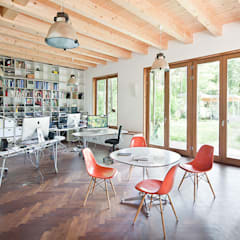 인더스트리얼 서재 / 사무실 by Müllers Büro 인더스트리얼