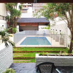 Reciclaje de un jardín con pileta descuidado: Jardines de estilo  por Estudio Nicolas Pierry: Diseño en Arquitectura de Paisajes & Jardines,Moderno