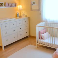 046 | Quarto bebé, Ericeira, Mafra: Quartos de criança  por T2 Arquitectura & Interiores,Eclético