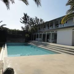 CASA VC: Casas de estilo  de zazurca arquitectos