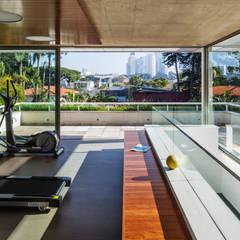 Gym by Reinach Mendonça Arquitetos Associados