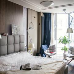 Квартира для молодоженов: Спальни в . Автор – ToTaste.studio, Эклектичный