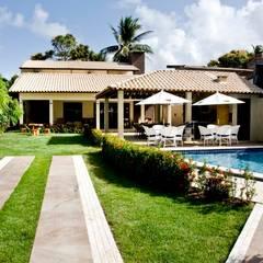 Houses by Celia Beatriz Arquitetura
