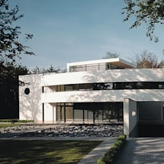 Villa B. in Lanaken (Be):  Huizen door Lab32 architecten, Modern