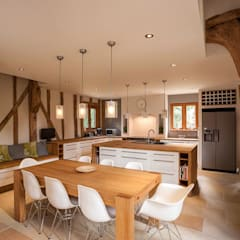 Kitchen:  Kitchen by Beech Architects